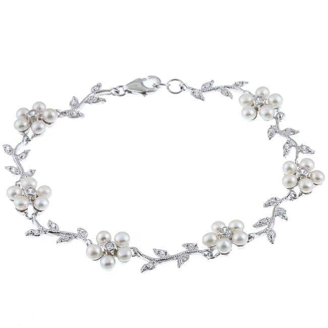 La Preciosa Sterling Silver FW Pearl and CZ Flower Bracelet (3 mm)