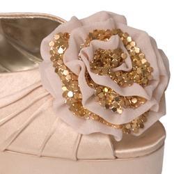 Liliana by Journee Co Women's 'Gabana-10' Floral Accent Platform Heels