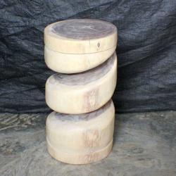 Monkey Pod Wood 22-inch White Oil Spiral Stool (Thailand)