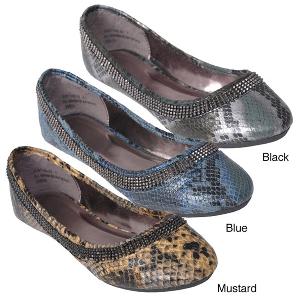 Bamboo by Journee Women's 'Justine-22' Chain Accent Snake Print Flats