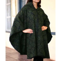 'Alpaca Wool 'Lush Leaves' Ruana Cloak (Peru)