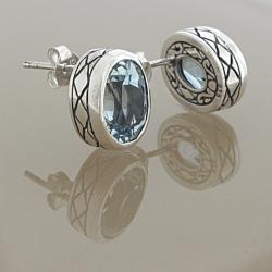 Sterling Silver Faceted Blue Topaz Bali Stud Earrings (Indonesia)