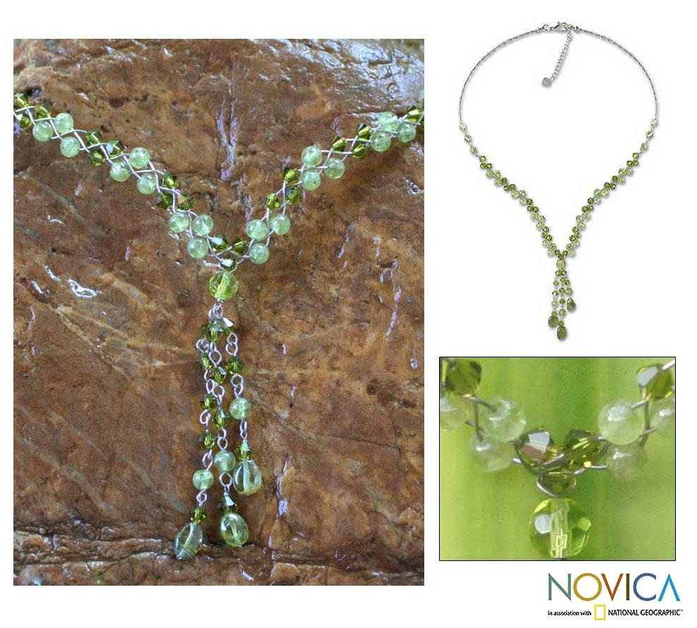 Stainless Steel 'Lime Ice' Peridot Y Necklace (Thailand)