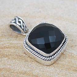 Sterling Silver Faceted Onyx Square Pendant (Indonesia)