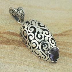 Sterling Silver Oval Cut-out Scroll Work Amethyst Pendant (Indonesia)