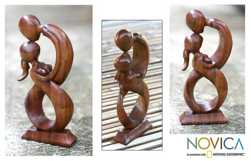 Handcarved Wood 'Kiss Me' Sculpture (Indonesia)