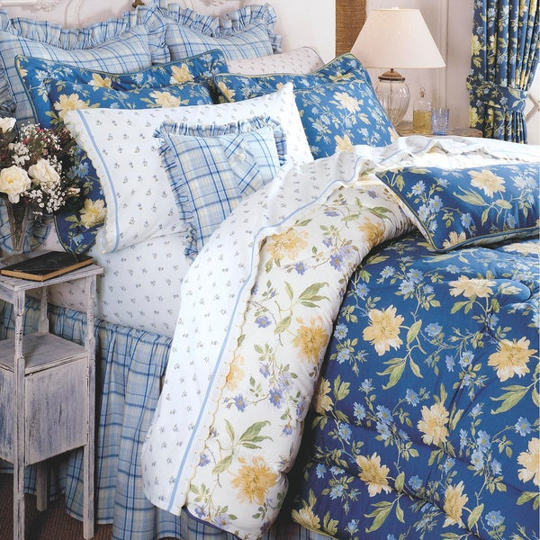 Laura Ashley Emilie 4-pc Comforter Set