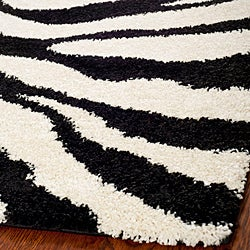 Hand-woven Ultimate Ivory/ Black Shag Rug (5'3 x 7'6)