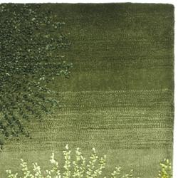 Safavieh Handmade Soho Burst Green New Zealand Wool Runner (2'6 x 8')