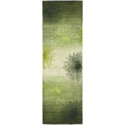 Handmade Soho Burst Green New Zealand Wool Runner (2'6 x 8')