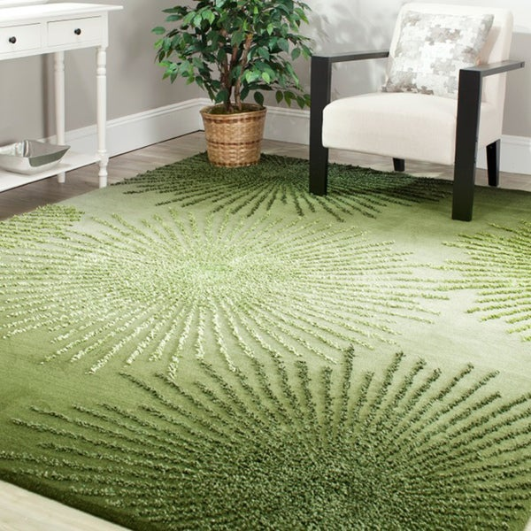 Safavieh Handmade Soho Burst Green New Zealand Wool Rug (5'x 8')
