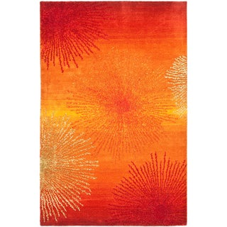 Handmade Soho Burst Rust New Zealand Wool Rug (5' x 8')