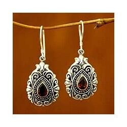 Sterling Silver 'Crimson Tear' Garnet Dangle Earrings (Indonesia)