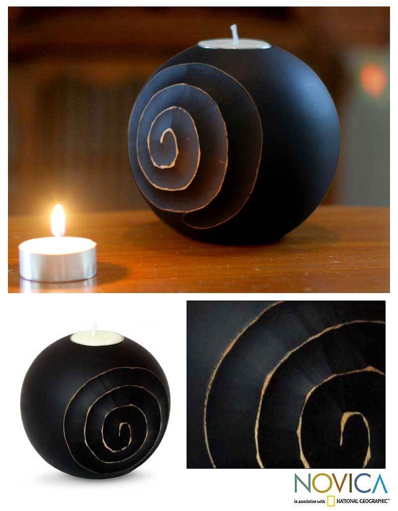Mango Wood 'Living Night' Candleholder (Thailand)
