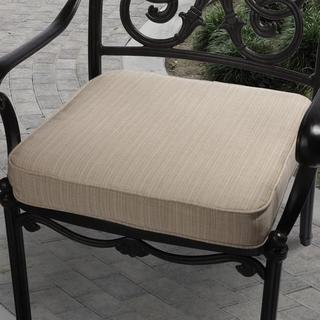 Clara 19-inch Indoor/ Outdoor Textured Beige Cushion Made with Sunbrella