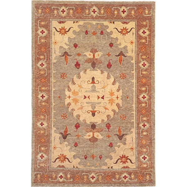 Traditional Hand-Knotted 'Heiress' Gold Wool Rug (6' x 9')