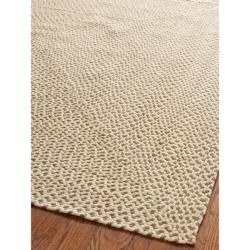 Hand-woven Reversible Beige/ Brown Braided Rug (6' Square)