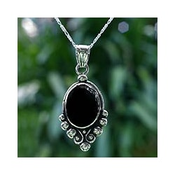 Sterling Silver 'Praise Love' Black Spinel Necklace (Guatemala)