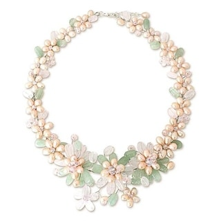 """Handmade Pearl 'Spring Garland' Gemstone Flower Necklace (Thailand) - 1.6"""" x 18.5"""""""