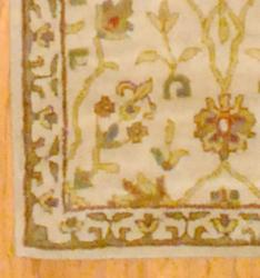 Indo Hand-tufted Ivory/ Gold Floral Wool Rug (2'6 x 8')