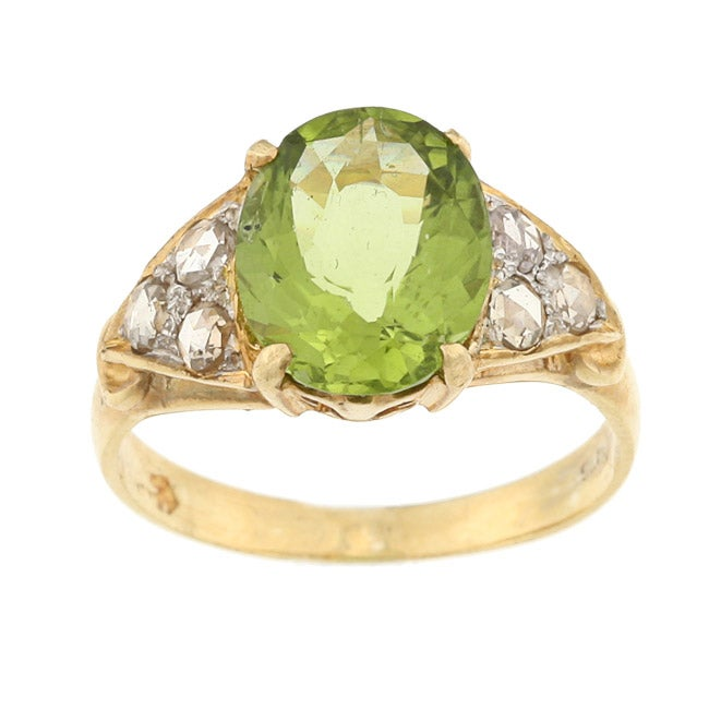 Pre-owned Goldtone Peridot and 1/6ct TDW Diamond Estate Ring (K-L, I1-I2)