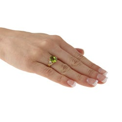 Goldtone Peridot and 1/6ct TDW Diamond Estate Ring (K-L, I1-I2)