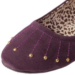 Adi Designs Women's 'Crosslin' Studded Flats