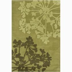 Hand-tufted Mandara Green Floral New Zealand Wool Rug (5' x 7'6)