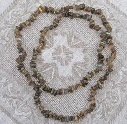 Handcrafted Olive Quartz Necklace (Afghanistan)