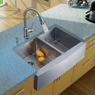 VIGO Farmhouse 33x20-inch Stainless Steel Kitchen Sink/ Faucet/ Two Grids/ Two Strainers/ Dispenser