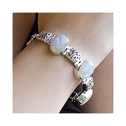 Sterling Silver 'Floral Legends' Moonstone Bracelet (India)