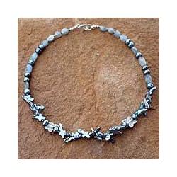 Silver 'Iridescent Sky' Pearl/ Labradorite Necklace (7-15 mm) (Thailand)