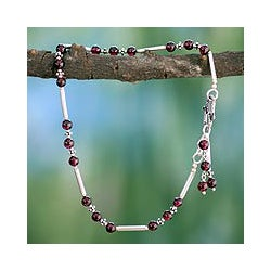 Sterling Silver 'Coquette' Garnet Anklet (India)