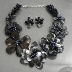 Pearl/ Gemstone Shades of Grey Floral Jewelry Set (6-11 mm) (Thailand)