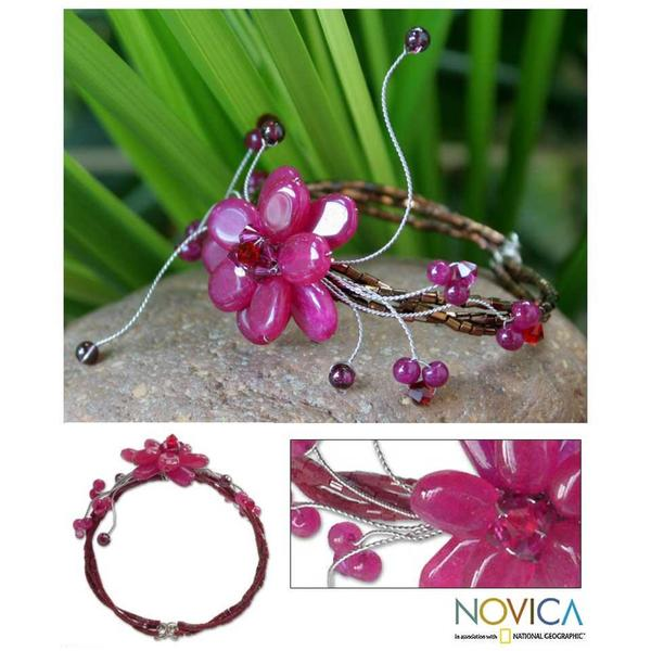 Stainless Steel 'Red Bouquet' Quartzite Garnet Bracelet (Thailand) 8116391