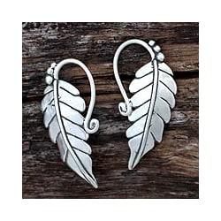 Sterling Silver 'Silver Vineyard' Dangle Earrings (Mexico)