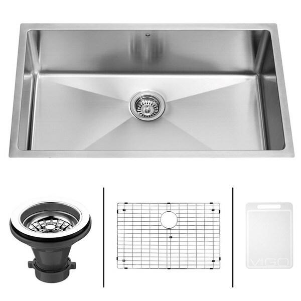 VIGO 32-Inch Undermount Stainless-Steel Kitchen Sink, Grid and Strainer Bundle