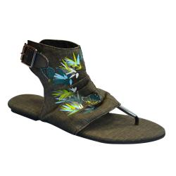 Muk Luks Women's Black Sun Luks Printed Canvas Cut-out Scrunched Gladiator Sandals