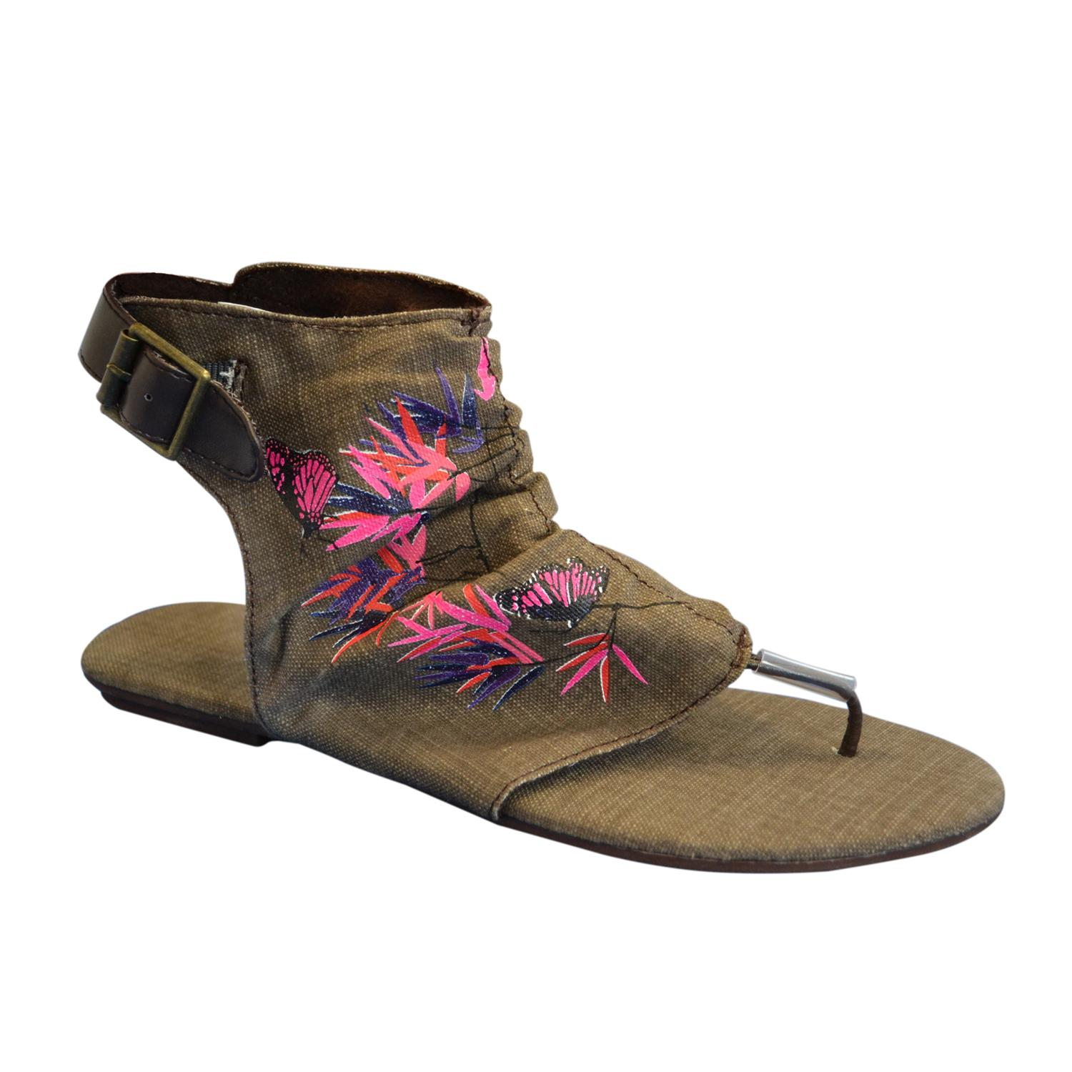 Muk Luks Women's Chocolate Sun Luks Printed Canvas Cut-out Scrunched Gladiator Sandals