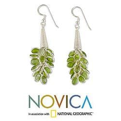 Sterling Silver 'Lemon Bouquet' Peridot Cluster Earrings (India)