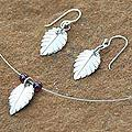 Sterling Silver 'Cherry Tree' Garnet Jewelry Set (Thailand)