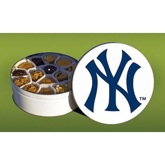 Mrs. Fields New York Yankees 96 Nibbler Cookies Tin