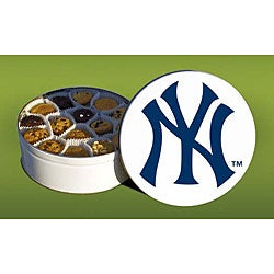 Mrs. Fields New York Yankees 96 Nibbler Cookies Tin