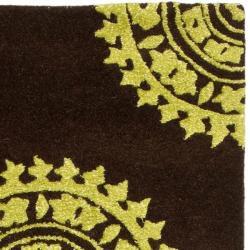 Safavieh Handmade Soho Chrono Brown/ Green N. Z. Wool Runner (2'6 x 8')