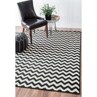 Alexa Chevron Vibe Zebra Black/ White Rug (4&#39; x 5&#39;7)
