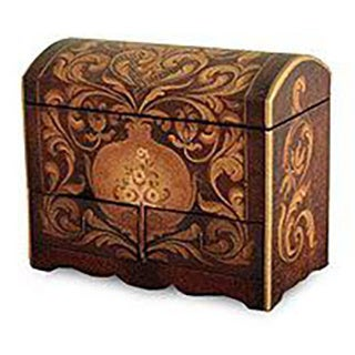 Handcrafted Cedar Wood 'Antonio' Jewelry Box (Peru)