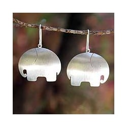 Handcrafted Sterling Silver 'Pretty Elephant' Earrings (Thailand)
