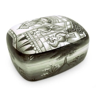 Handcrafted Paper Mache 'The Emperor's Audience' Jewelry Box (India)