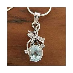 Sterling Silver 'Jaipur Stars' Blue Topaz Necklace (India)