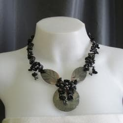 Onyx Cluster with Pearl and MOP Leaf Necklace (5-9 mm) (Philippines)